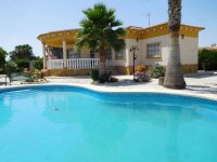 Luxury 3 bedroom detached villa with pool in Catral. (3)