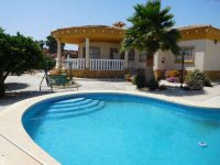 Luxury 3 bedroom detached villa with pool in Catral. (5)