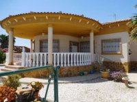 Luxury 3 bedroom detached villa with pool in Catral. (6)