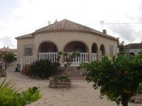 4 bedroom detached villa in Catral for long term rental (3)