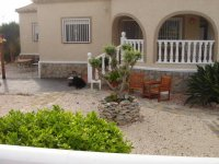 4 bedroom detached villa in Catral for long term rental (26)