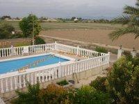 4 bedroom detached villa in Catral for long term rental (30)