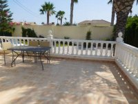 4 bedroom Villa in Catral on Rent To Buy (15)