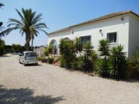 4 bedroom Villa in Catral on Rent To Buy (38)