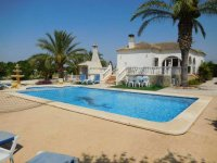 4 bedroom Villa in Catral on Rent To Buy (44)