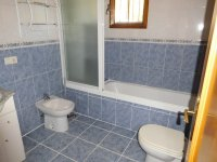 Fantastic 3 bed Park Home on residential site (15)