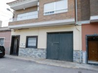 Large town house with underbuild in Catral (1)