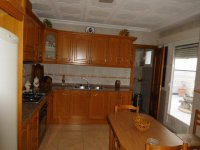 Large town house with underbuild in Catral (23)