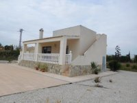Detached Villa with private pool (2)