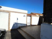 Two wooden chalets, with garage, on a freehold plot on Mi-Sol Park Torrevieja. (3)