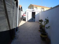 Two wooden chalets, with garage, on a freehold plot on Mi-Sol Park Torrevieja. (6)