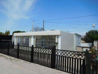 Spacious 2 bedroom mobile home on the Palms (1)