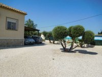 Stunning detached villa with pool, in Catral (15)