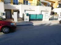 Fantastic 3/4 bed townhouse in Catral overlooking the park (1)