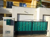 Fantastic 3/4 bed townhouse in Catral overlooking the park (2)