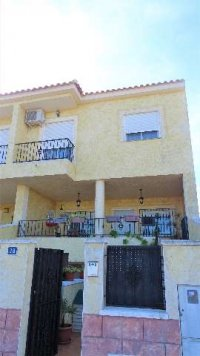 Town house in Catral with communal swimming pool (19)