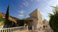 5 bedroom, 3 bathroom semi detached villa in marquesa golf, Quesada (2)