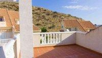 5 bedroom, 3 bathroom semi detached villa in marquesa golf, Quesada (12)