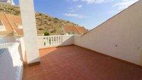 5 bedroom, 3 bathroom semi detached villa in marquesa golf, Quesada (15)