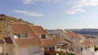 5 bedroom, 3 bathroom semi detached villa in marquesa golf, Quesada (16)