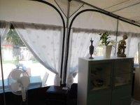 Hobby Landhaus caraven with large awning (13)