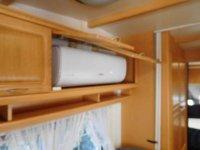 Hobby Landhaus caraven with large awning (36)