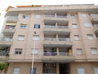 2 bedroom apartment in the centre of Torrevieja for long term rental (28)