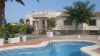 3 bedroom Villa with shared swimming pool (9)