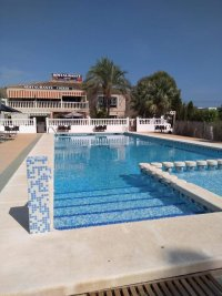 Fully renovated mobile home by the sea for sale. (12)