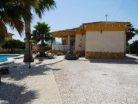 3 bedroom detached villa with pool (1)