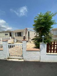 Great priced 2 bed mobile home near the sea  (1)