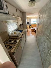 Great priced 2 bed mobile home near the sea  (3)