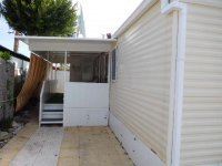 Fantastic Willerby Granada with communal pool and bar (2)