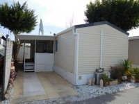 Fantastic Willerby Granada with communal pool and bar (4)