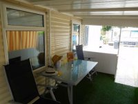 Fantastic Willerby Granada with communal pool and bar (12)