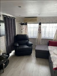 Great mobile home by the sea (4)