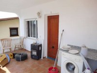 1 bed 1 bath apartment with outside space and communal pool (13)