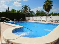 1 bed 1 bath apartment with outside space and communal pool (29)