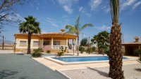 Detached Villa with pool REDUCED (7)