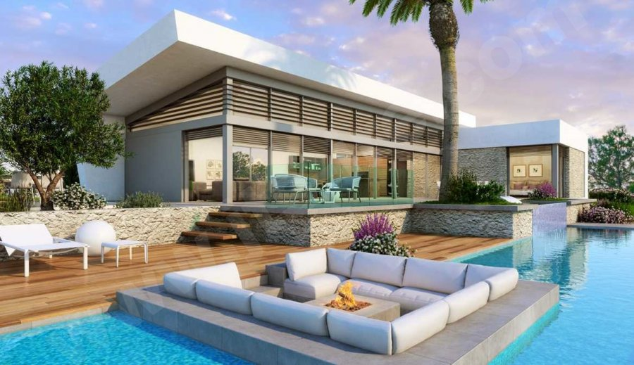 MAGNIFICENT MODERN DESIGNED VILLA