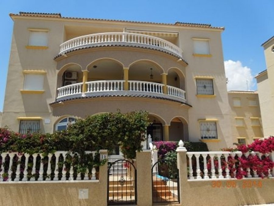 APARTMENT FOR RENT in CABO ROIG