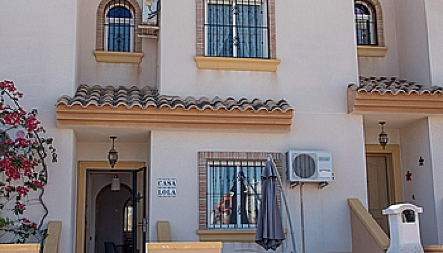 TOWNHOUSE FOR LONG TERM RENT