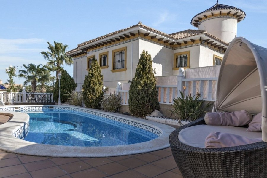 AMAZING VILLA FOR RENT