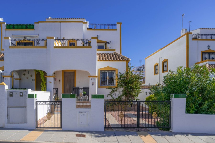 BEAUTIFUL TOWNHOUSE for HOLIDAY RENTALS