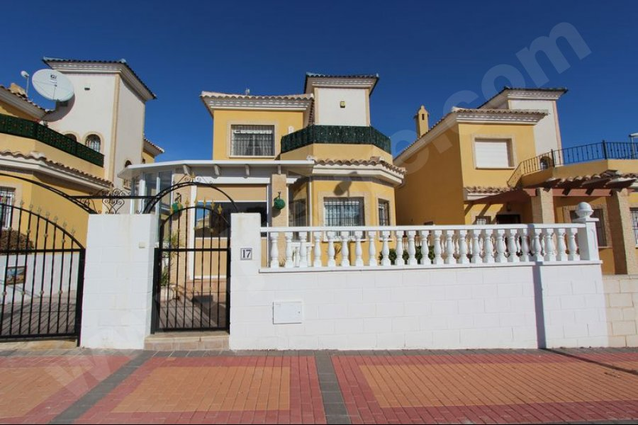 Delightful Villa for Sale in Lo Crispin