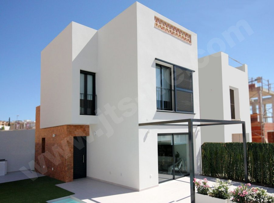 STUNNING TWO BEDROOM VILLAS