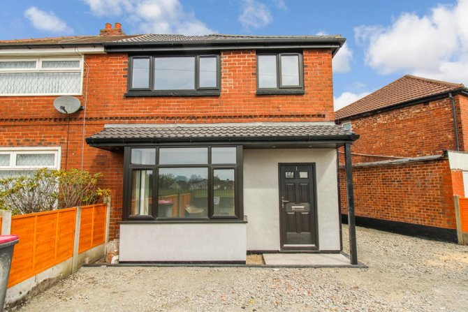 Detached in Manchester for sale in Manchester