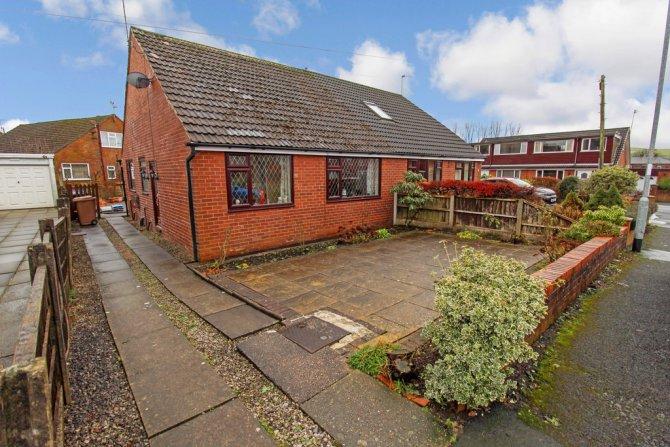 Bungalow in Rochdale for sale in Rochdale