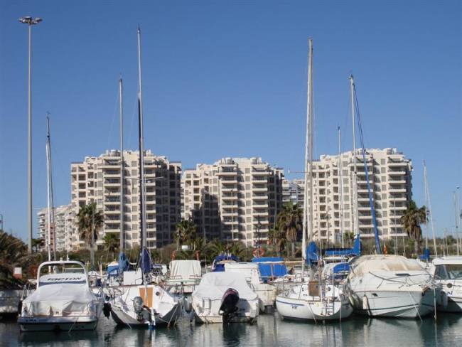 A new two bedroom two bathroom apartment  by the harbour