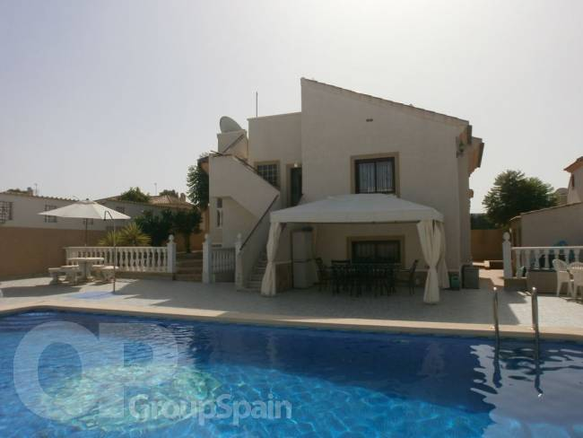 Villa with 7 bedrooms and 4.5 bathrooms plus private pool